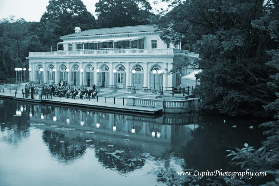 Beautiful wedding at the Boathouse in Prospect Park. Brooklyn, New York City.