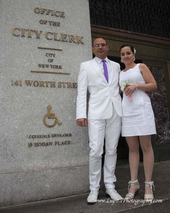 Pareja de España que se casó en la Ciudad de Nueva York.  Su boda fue en City Hall, NYC.