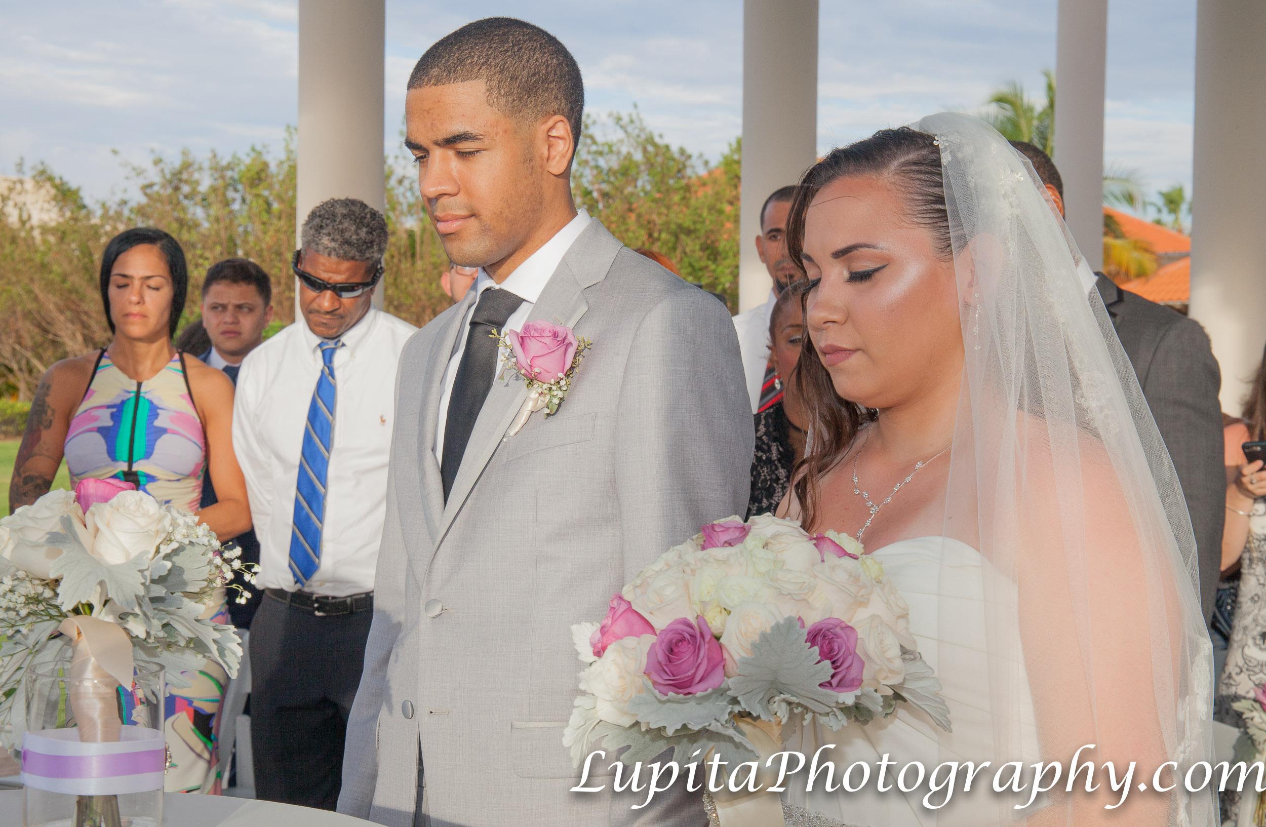 Meliá Coco Beach Resort. Rio Grande. Puerto Rico. Couple on their wedding ceremony.