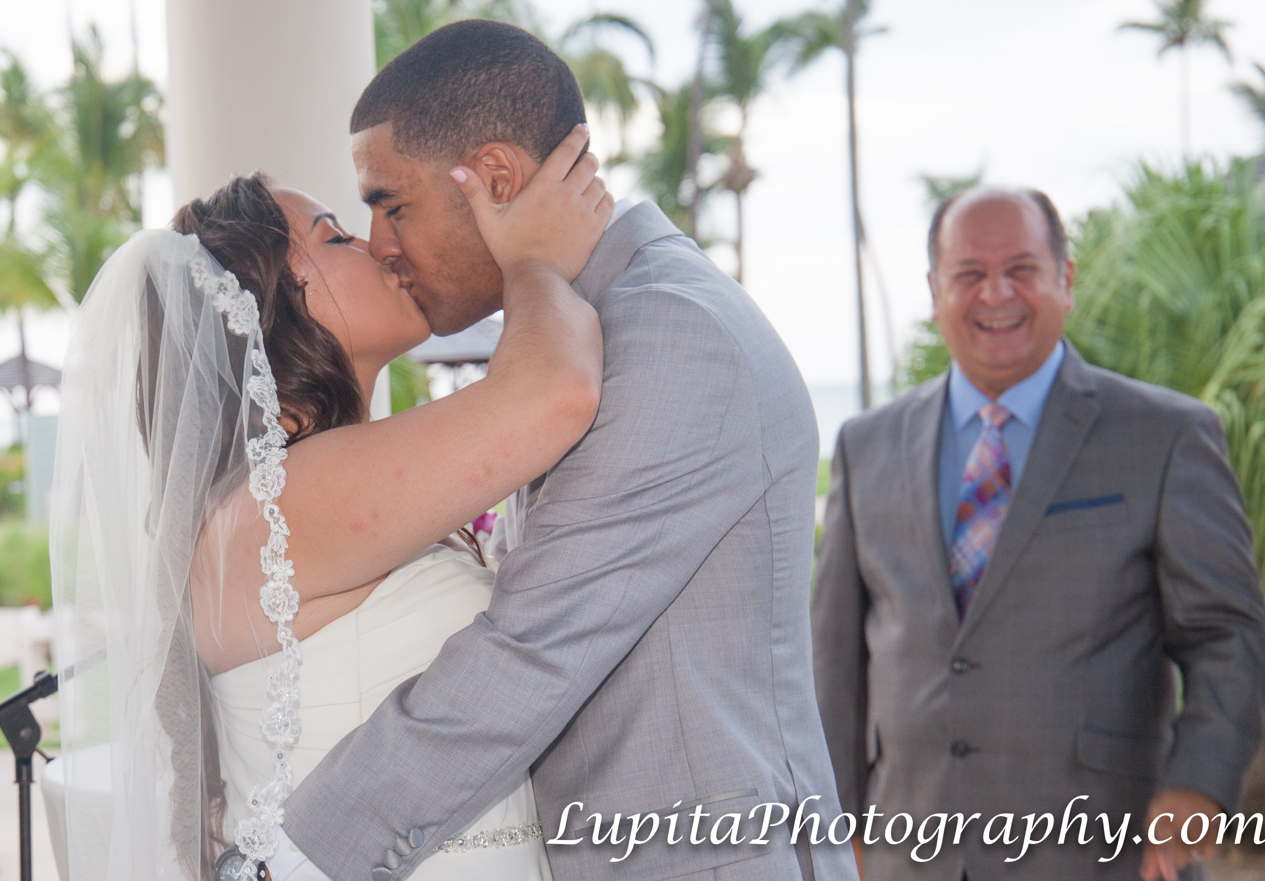 Meliá Coco Beach Resort. Rio Grande. Puerto Rico.  First kiss of the newly-wed couple.