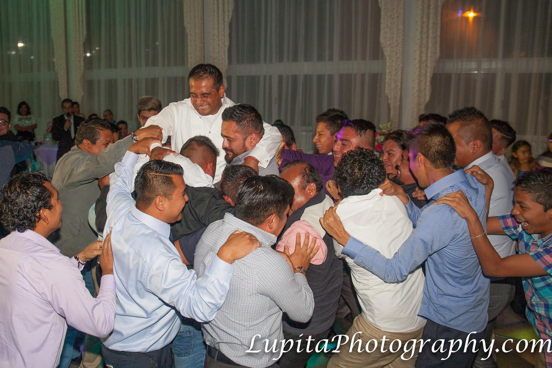 """Estado de México, México -  Hombres bailando la víbora de la mar. ¡Fue muy divertido! Men dancing the """"víbora de la mar."""" It was so much fun!"""