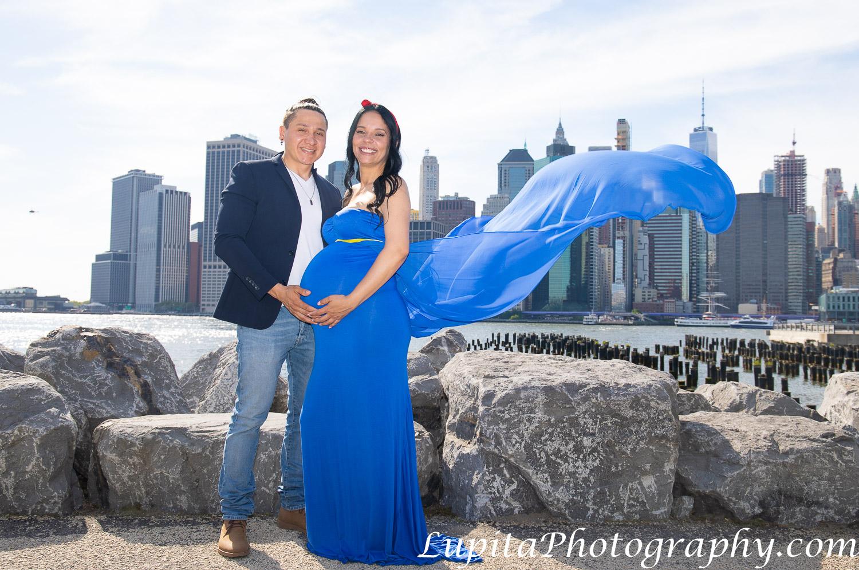 Pregnancy/maternity photographer in New York City (Brooklyn, Bronx, Queens, Staten Island, Manhattan). Fotografía de embarazos/maternidad en la ciudad de Nueva York. www.LupitaPhotography.com
