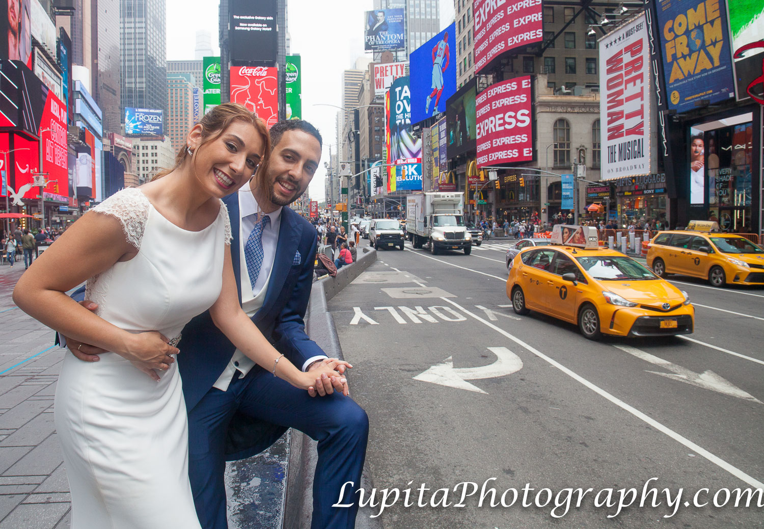 Pareja de España en Times Square. Ciudad de Nueva York. Couple from Spain in Times Square. New York City.