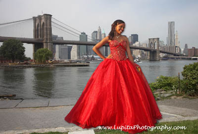 Lupita Photography: Wedding, Sweet sixteen photography. New York City: Bronx, Staten Island, Queens, Manhattan, Brooklyn.